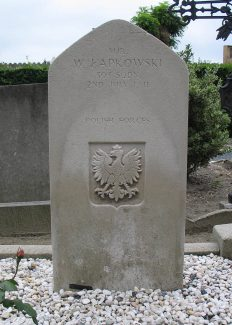 Grave of Pilot Officer Waclaw Lapkowski. | Copyright.  The War Graves Photographic Project.