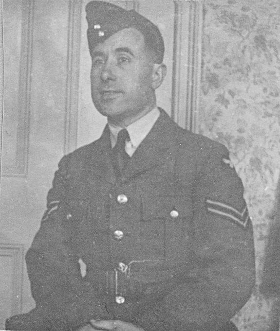 C W Comerford in his RAF uniform | Janet Hayward