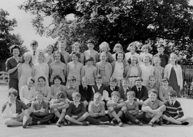 Benfleet, Essex, South East, England30th Jun 1966 Mrs. Watsons first year class about 1965. Me with upstanding hair! The original scary spice!!!! Back row: David R, Gillian N, Janette, Sally, Pam, Terry, Leslie, Jane P, Anne, Charles Third Row: Janice, Sue C, Rita, Jackie, Linda, Dian, Sue F, Sue W, Barbara, Yvonne, Hilary. 2nd Row: SusanB, Margaret, Gill, David P, Robert, Richard, Graham B, Angus, Susan M, Jane w. Uploaded byPaula Tyrrell