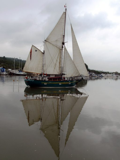 Barbarossa under sail in Benfleet Creek