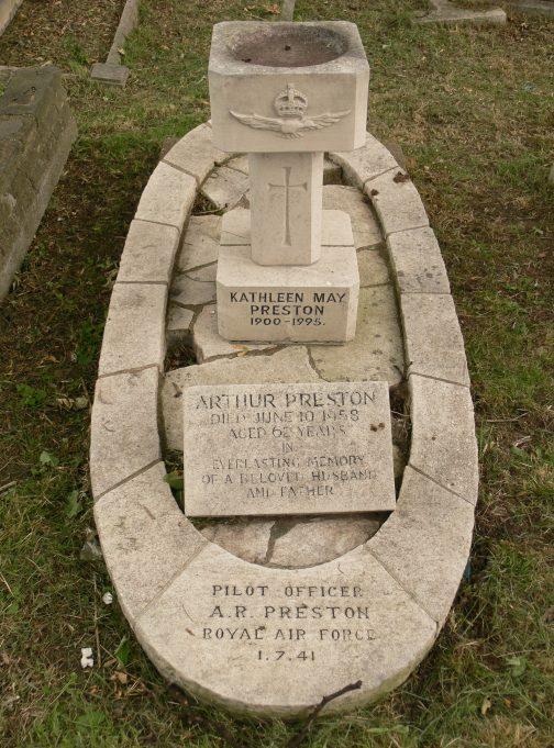 Preston Family Grave | Ronnie Pigram