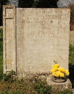 Grave of David Thomas Carson and his wife Daisy Eva. | Ronnie Pigram