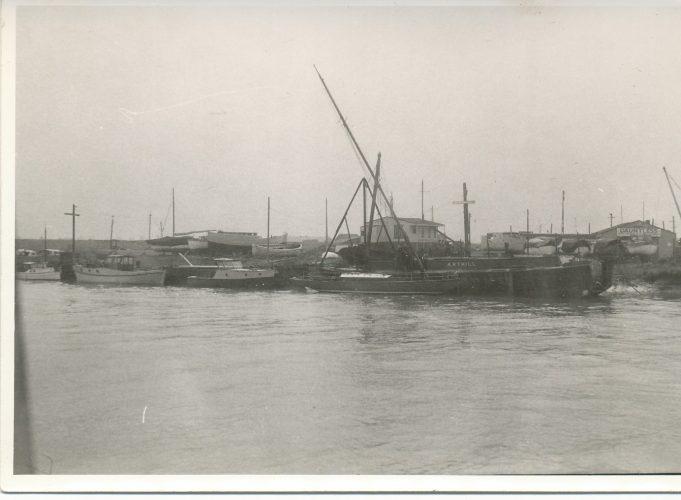 Dauntless boat yard