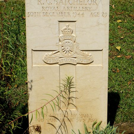 Grave of R. G. Batchelor. | Copyright.  The War Graves Photographic Project.