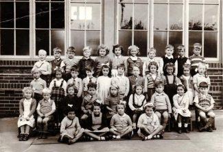 Benfleet Primary School Class photo c.1953