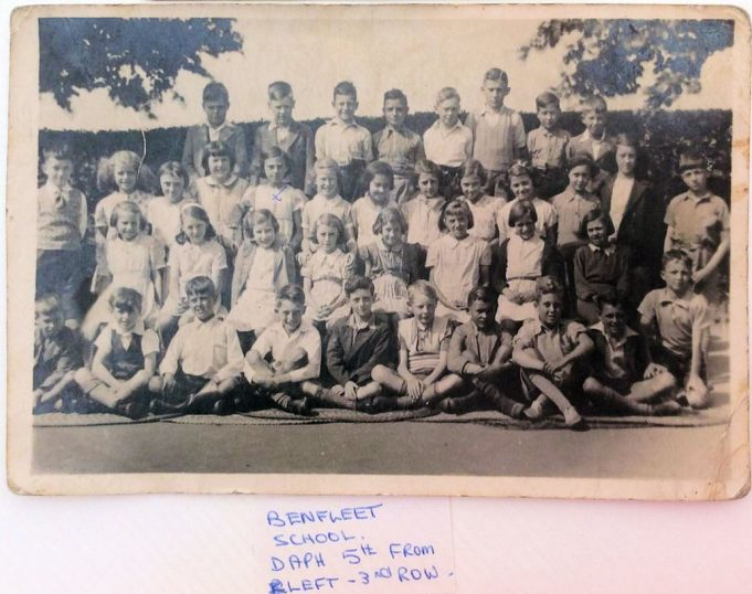 Benfleet School class photo 1939 - 1940 | Daphne Sorrell