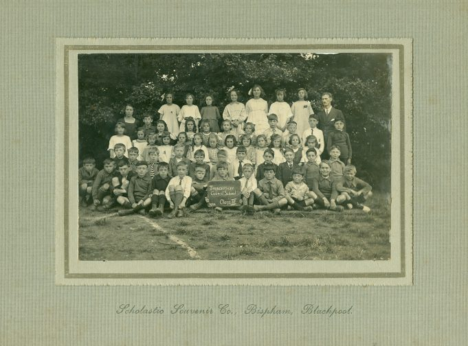 Class III - taken in 1922. Colonel Bransdon, Headmaster stands at the back, far right. | Thundersley Primary School