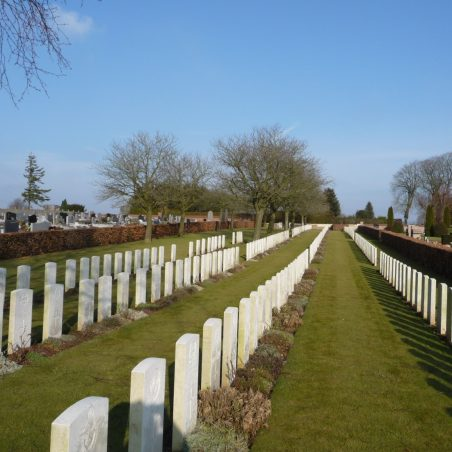 Avesnes-Le-Comte Communal Cemetery.  France. | Copyright.  The War Graves Photographic Project.