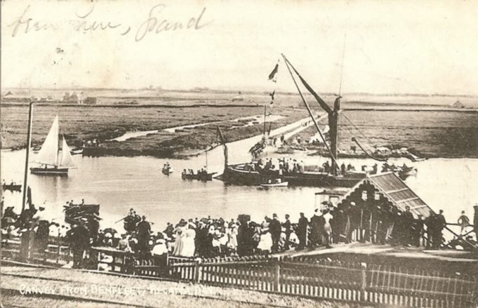 A view of the Regatta taking place. Probably 1908