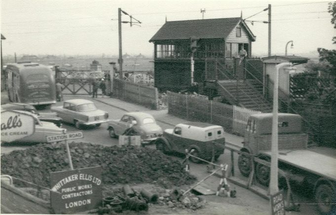 Benfleet Signal Box. 1 and 2 Station Cottages were just to the left of this picture, in fact the corner of the roof can just be seen. | Gilbert Wines
