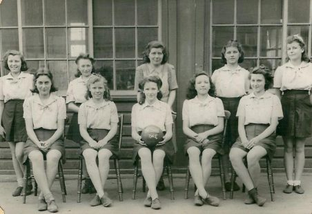 Benfleet Junior School Netball Teams 1945 -1960