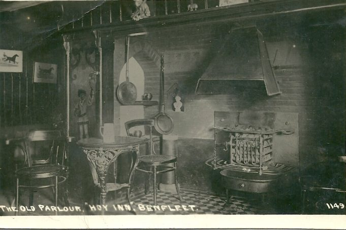 The fireplace with the picture of the page to the left.  About 1912 by A.J.Padgett of Leigh-on-sea. | Joan English (nee Phillips)