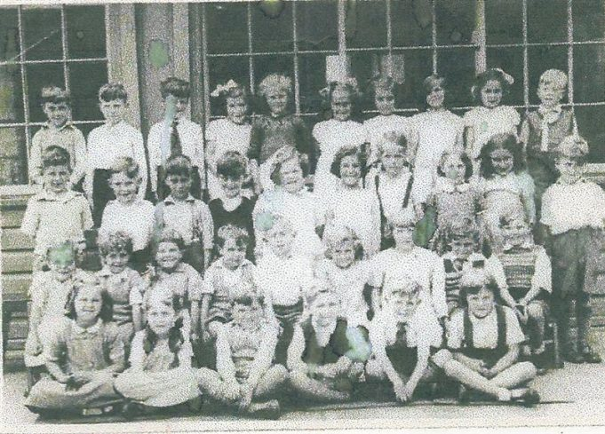 Benfleet Primary School perhaps 1954? possibly Mrs Weirs Class | Alan Baptist