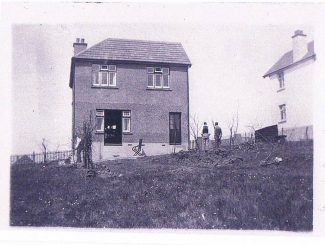 Rear view of Joandi before the verandah was added.  Note the space between the neighbour's property | Anonymous