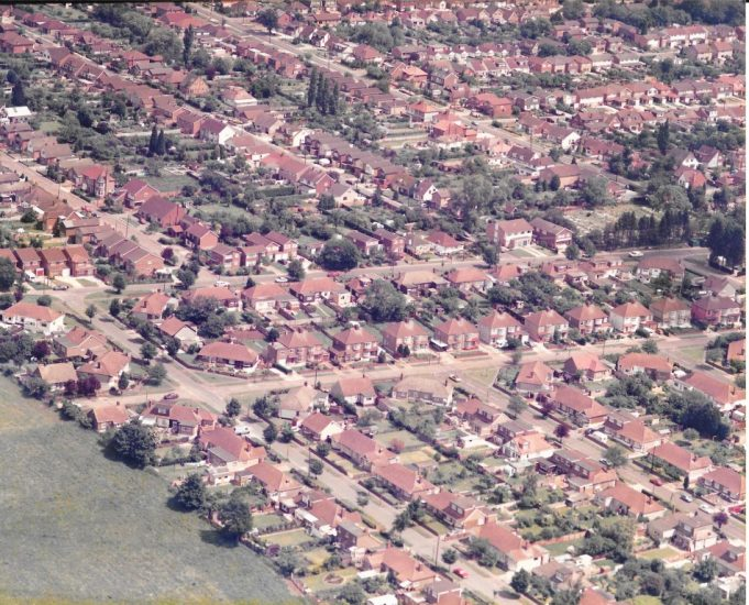 Part of the estate that backs on to Jotmans Farm, summer 1987 | Airborne Camara Edward A. Clack