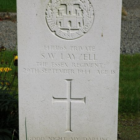 Grave of S. W. Layzell. | Copyright.  The War Graves Photographic Project.