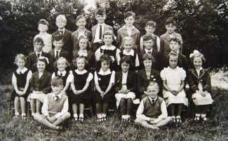 Miss Seabrooke's class, St. Margaret's School, Bowers Gifford. I'm in the third row from the front, far right. | © J. Wernham.