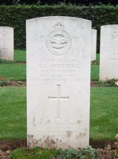 Grave of Kenneth Ernest Moulding. | Copyright.  The War Graves Photographic Project.