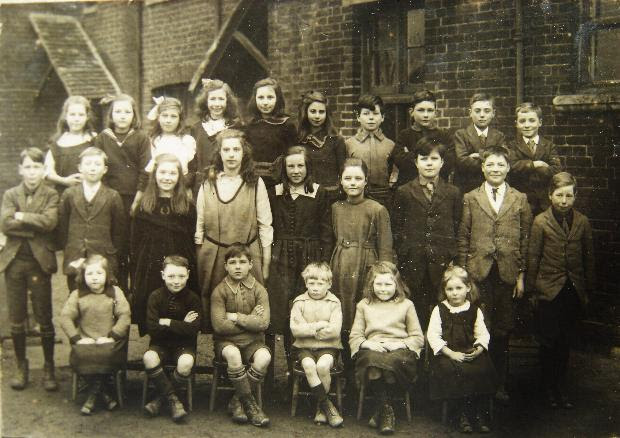 North Benfleet school photo from the year 1922. My mother is in the middle row third from left & Elsie Norman is in the front row 5th from left. | © J. Wernham.