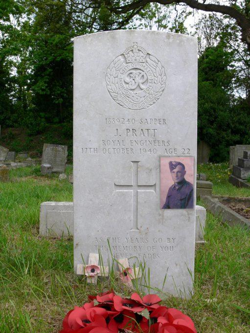 Grave of Sapper John Pratt. | Ronnie Pigram