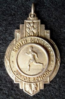 100 yards sprint medal presented to Sandra in 1960 | Eileen Gamble