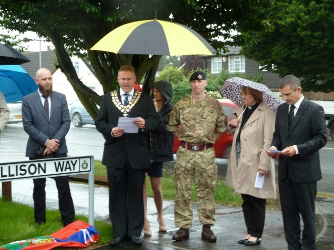 The Mayor naming the road. | Phil Coley