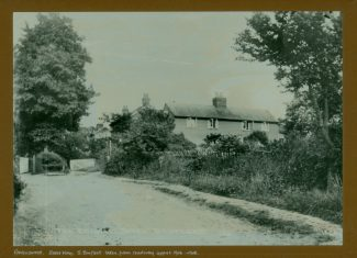 'Ravenswood' taken from Essex Way, formerly East Street, then The Endway and subsequently Essex Way. c.1906/08