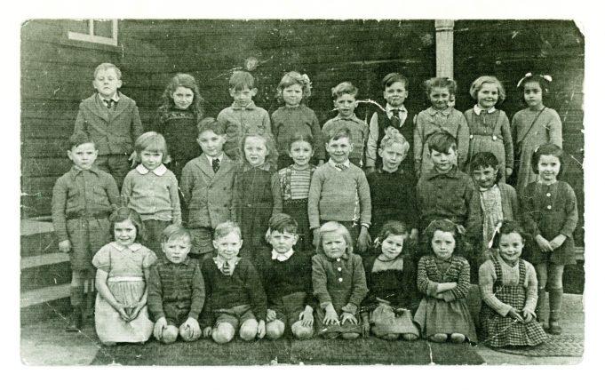 New Thundersley Primary School, Rushbottom Lane. c. 1948/49 | Janice Jiggens