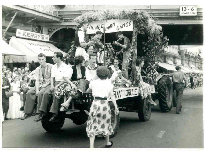 Southend Carnival Procession - passing the pier (1st prize) | From the collection of Joan Phillips