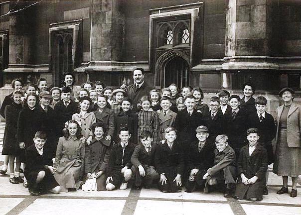 Thundersley School class photo  c. early 1950s