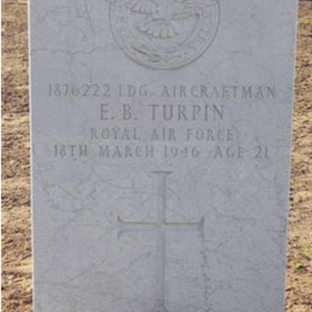 Grave of E. B. Turpin. | Copyright.  The War Graves Photographic Project.