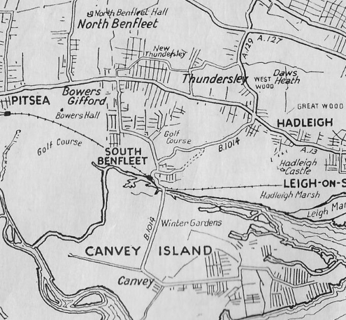 Map showing golf course at Bowers Gifford. | Taken from Barnett's Benfleet official street plan. Posible date late 1930's?