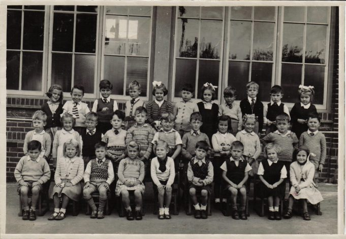 Benfleet School Class Photo taken in 1952-3 | Brian Penfold