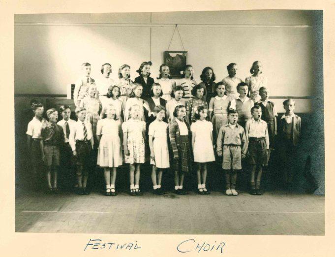 Photo 4) Festival Choir | Thundersley Primary School