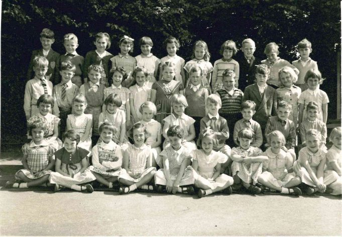 Photo 4) | Thundersley School