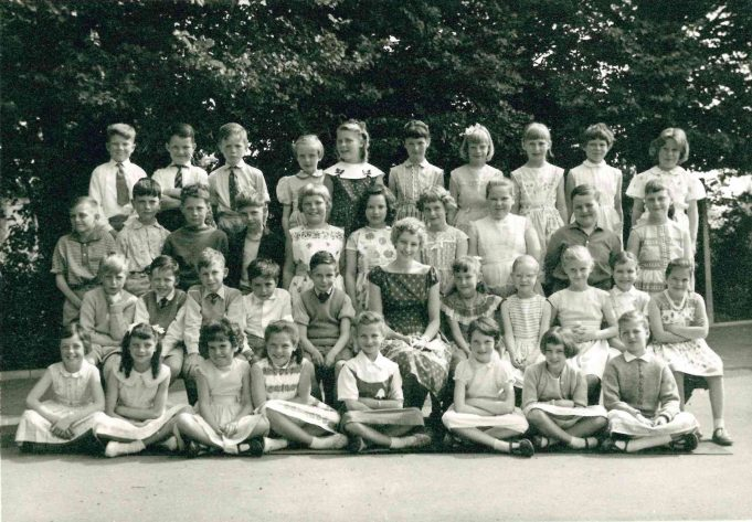 Photo 2) | Thundersley Primary School