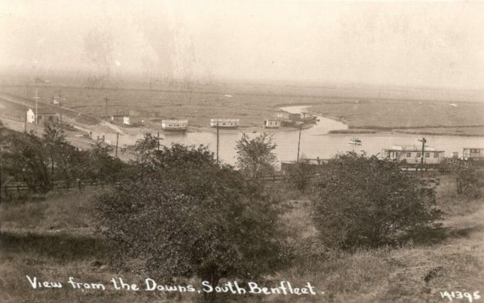 Houseboats in Benfleet Creek