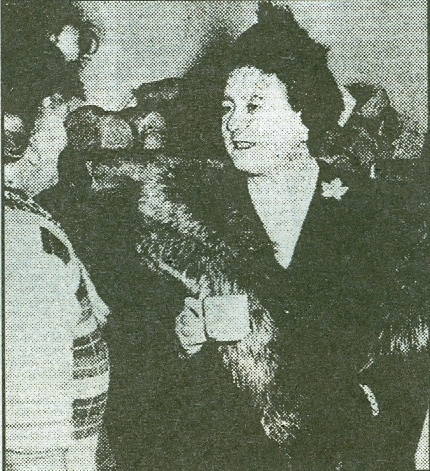 The Queen Mother talking to the people | Echo supplement 15 Jan 2003