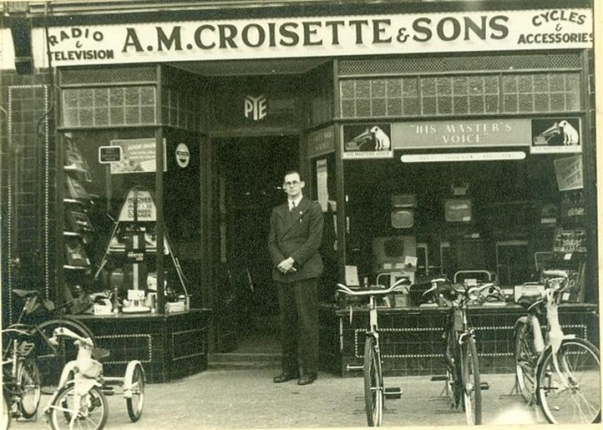 A.M Croisette & Sons, 302 High Road. (Now Hudsons's Restaurant) date unknown | Pat Croisette