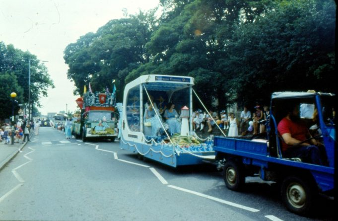 Southend Carnival at the front and behind the next vehicle appears to have the word Desperado's on the front | Ronnie Pigram