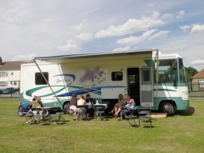 The mobile youth centre