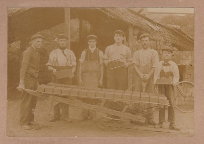 Brickmaking gang, around 1901, Hadleigh/Benfleet area | Pat Tookey