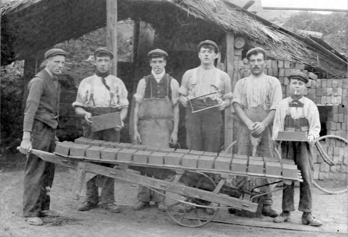 1901 approx brick making gang | Pat Tookey