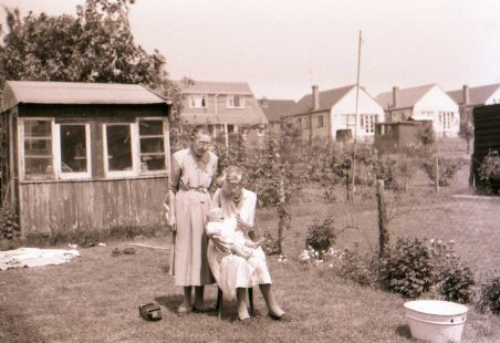 Memories of life at 169 Oakfied Road in the 1960s and 70s
