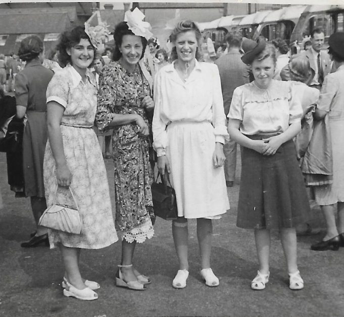 Glanfields outing 1940s | Alan Cox