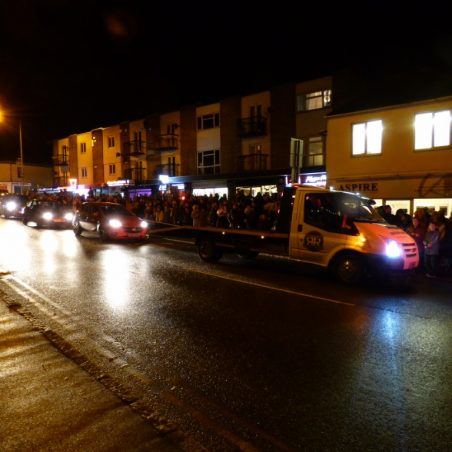 Crowds gathering to see Christmas Tree lit | Phil Coley