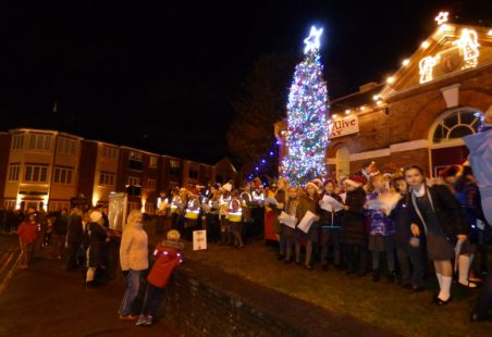 Lighting Benfleet's Christmas Tree