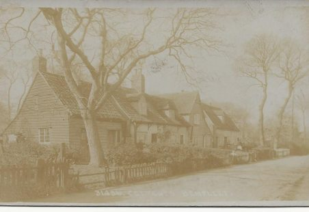 Benfleet Cottages - unknown road.