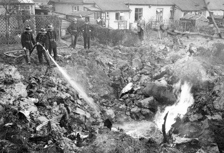 Gloster Meteor jet crash