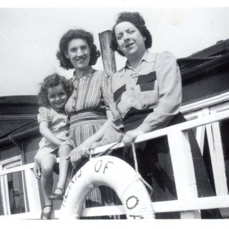 Hearts of Oak houseboat - Patricia Andrew and Cathrine with Grandma Burns | Peter Andrew